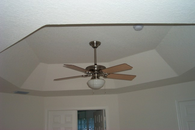 masterbedroom fan7-26-03.jpg (37196 bytes)